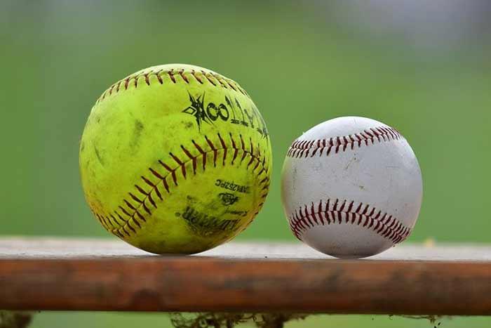 Softballový a baseballový míč